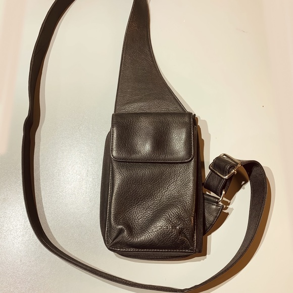 Fossil Other - Black Leather Fossil Shoulder Strap Pouch